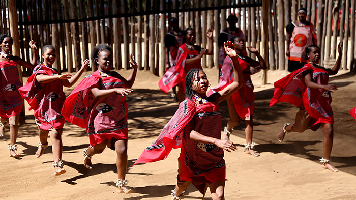Swazi Candles And Mantenga Cultural Village Tour